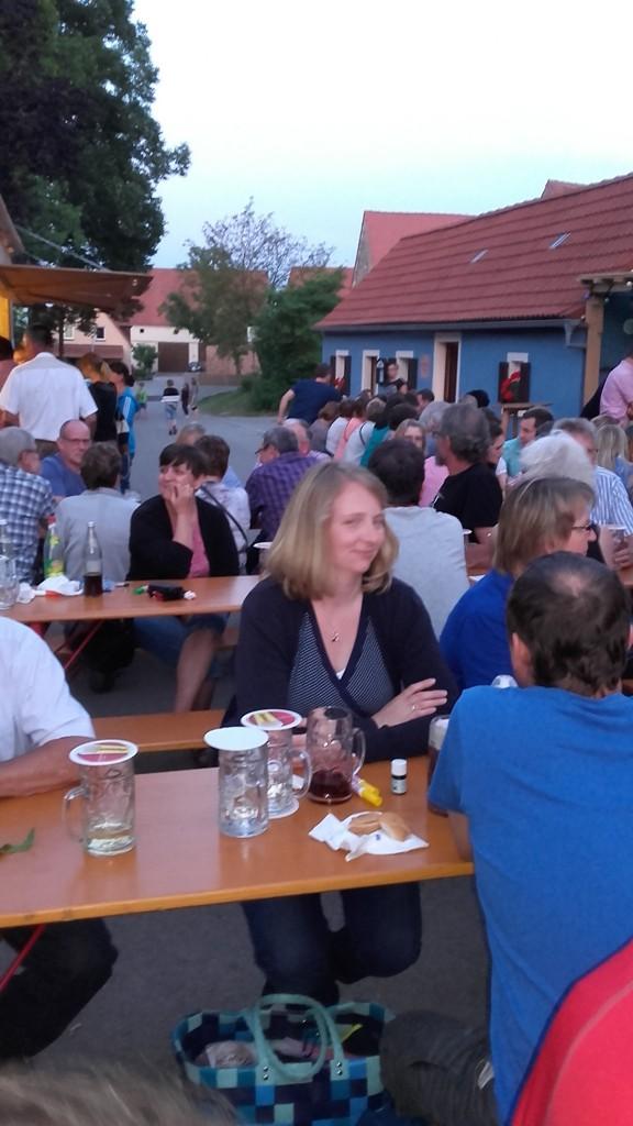 Die zahlreichen Gäste feierten ausgelassen die Göppersdorfer Kirchweih